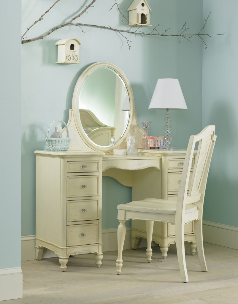 A room fit for a princess hooker furniture corporation help geotapseo Choice Image