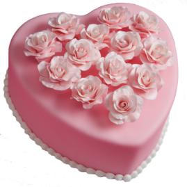A special heart cake to create