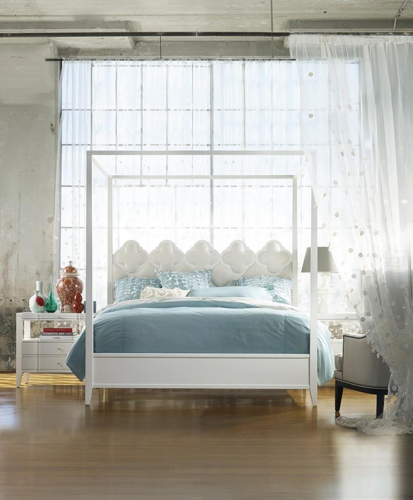 Quatrefoil canopy bed