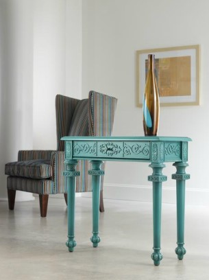 Tyfani accent console