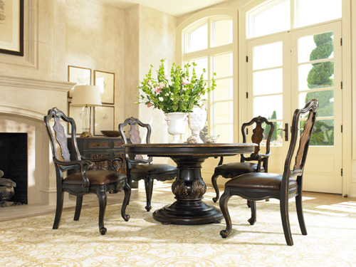 Grandover pedestal dining table