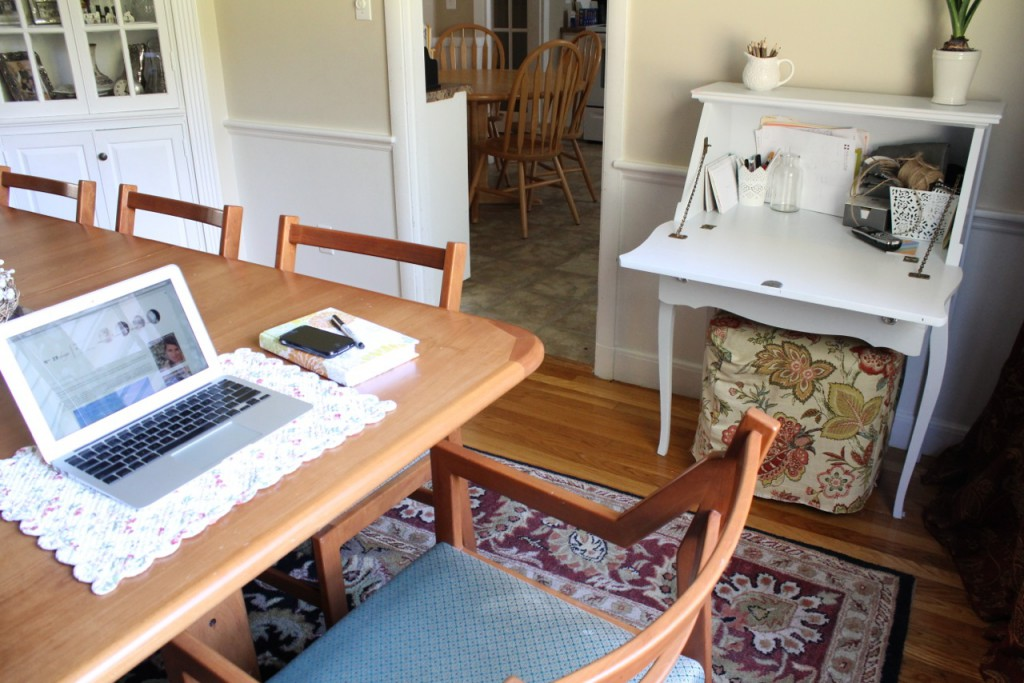 Dining table, secretary create instant office