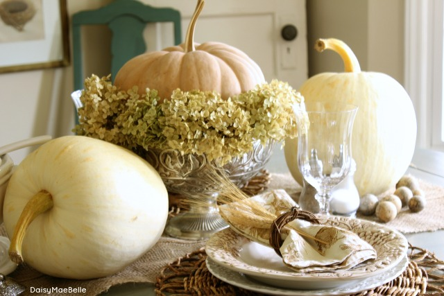 White Pumpkin Holiday Tablescapes Hooker Furniture