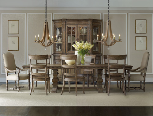 The Sorella rectangle dining table with exquisite wood grain