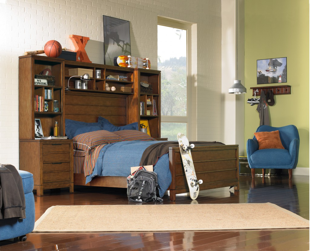 The Carter bed and large bridge are great pieces to store all the gifts your child receives in preparation for an organized 2014.