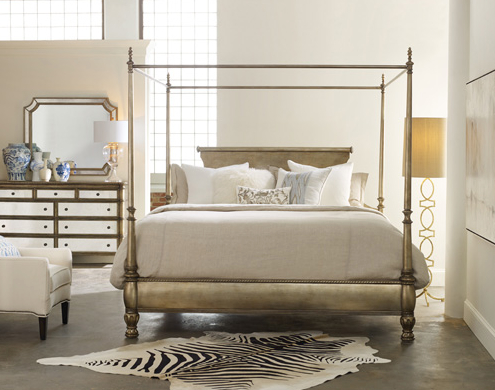 With its slender silver leaf-finished silhouette, the Melange Montage bed stands center stage.