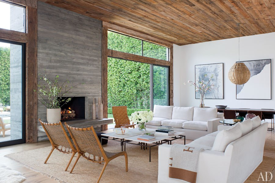 Fashion designer Jenni Kaye transformed her living room into a chic retreat with lots of wood.