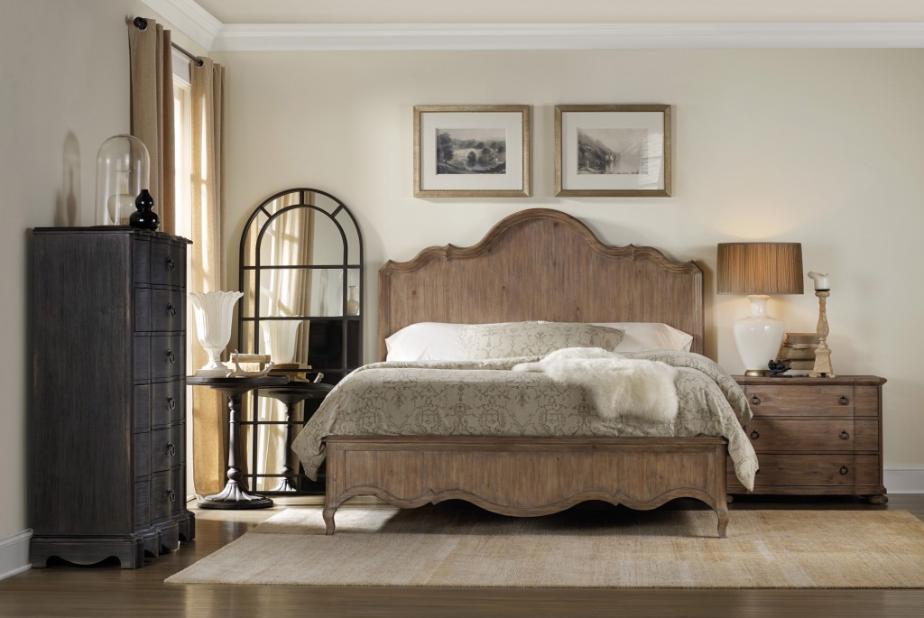 Corsica panel bed has casual farm inn style