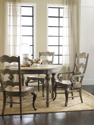 The hand-painted LaBelle dining table & chairs
