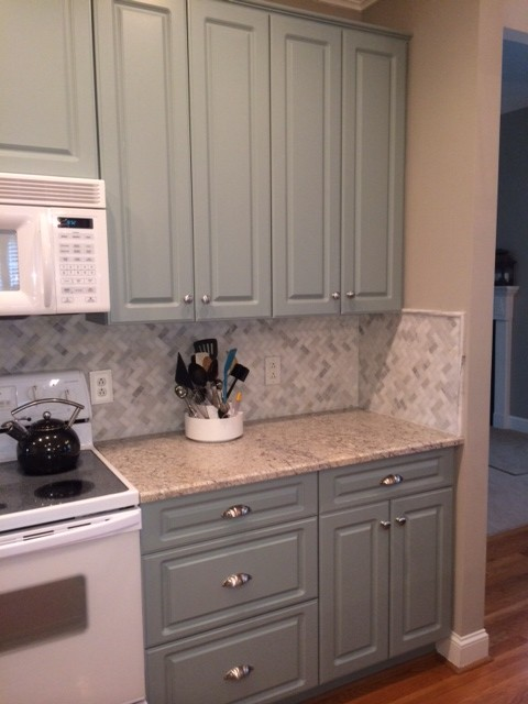 The finished look with the marble mosaic tile backsplash.