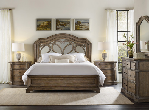 New Mirrored panel bed has a light and luminous feel uc