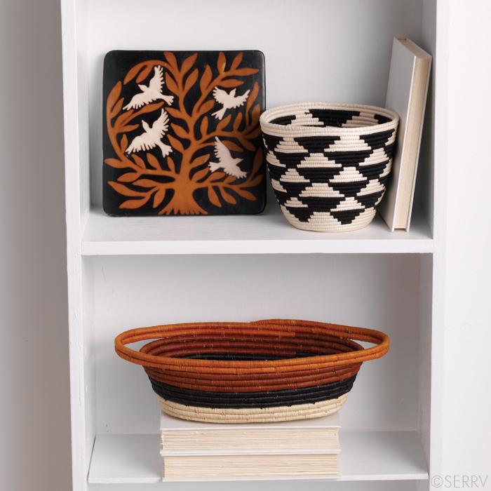 trivet_and_baskets_in_timeless_orange_and_black_serrv