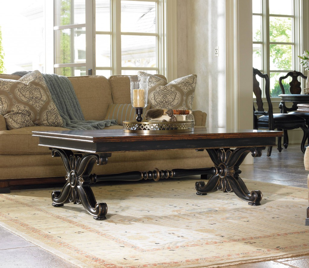 Grandover coffee table