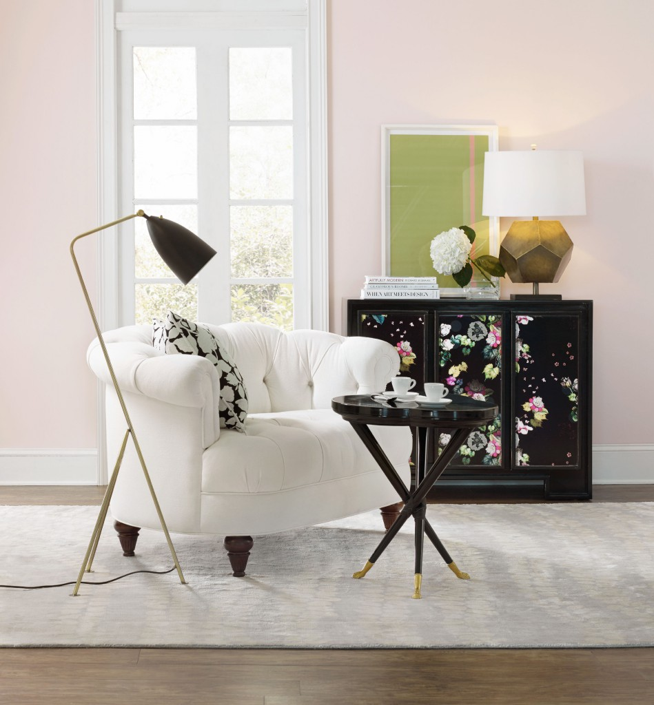 Fleur de Glee Chest room
